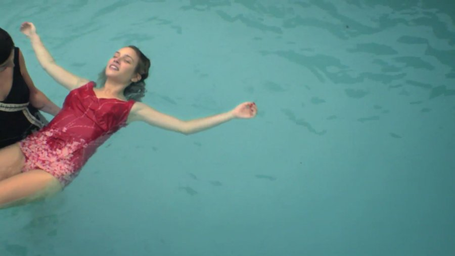 piscina by leandro goddinho short narrative film